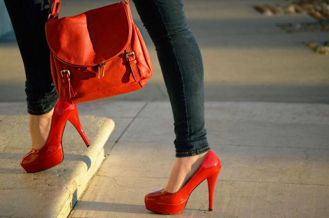 Scarpe rosse tacco alto.jpg